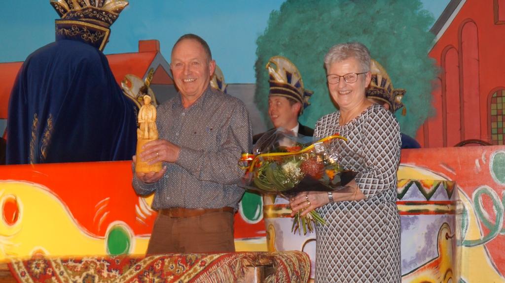Huub Geuijen ontvangt Orde van Verdinste D'n Turftreiër